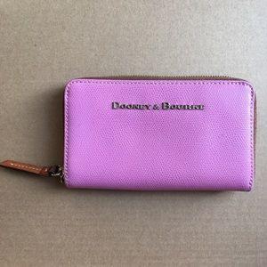 Dooney & Bourke clutch wallet pink